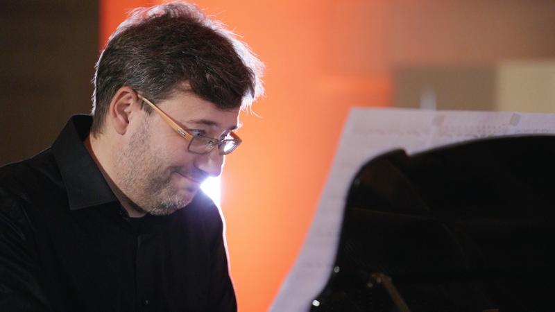 Witold Kawalec - fortepian, fot. Jacek Owczarz | Jack Jack Films